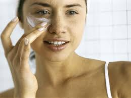 Red Flaky Skin Around Nose And Eyebrows 10 Best Moisturisers For Dry Skin The Independent