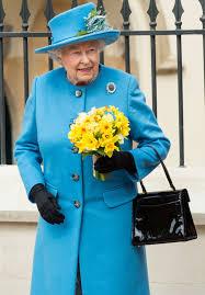 Queen Handbag | can helen mirren make the queen s handbag famous