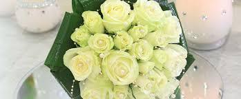 bouquet de fleurs roses blanches bouquets de mariée accueil aloe fleurs