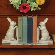 bunny bookends bunny tulips hooked rug shoptalk by sturbridge yankee workshop