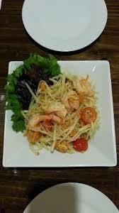 de cuisine thailandaise lam sopa de nabo ensalada de papaya verde y pad ร ปถ ายของ
