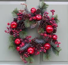 ideas for easy wreath storage