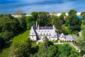 gatsby mansion the great gatsby mansion can be yours for 17 million fortune