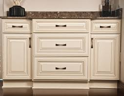 White Painted Cabinets With Glaze by Types Of Cabinet Finish U2013 Kitchen Design