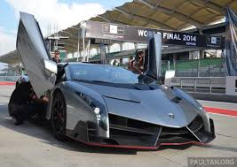 future lamborghini veneno lamborghini veneno makes a shocking appearance at sepang circuit