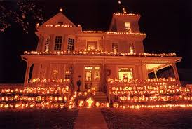 Decorated Homes For Halloween The Pumpkin House In West Virginia Is Magical