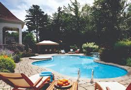 amenagement autour piscine hors sol amenager sa piscine cheap piscine horssol en bois semienterre