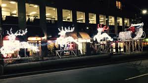 Christmas Reindeer Decorations Canada by O Christmas Lights Spectacular Illuminations In Toronto And Worldwide