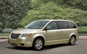2010 chrysler town u0026 country touring his and her review