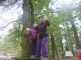 parcours dans les arbres à l ile des loisirs capsaaa saint