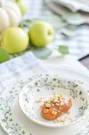Table Place Settings by Easy Fall Table Idea Caramel Apple Place Settings Kelley Nan