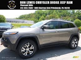 jeep trailhawk 2016 white 2016 light brownstone pearl jeep cherokee trailhawk 4x4 113172223