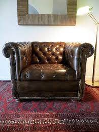 Best 25 Chesterfield Living Room Best 25 Leather Chesterfield Chair Ideas On Pinterest