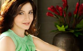 beautiful bollywood actress anushka sharma hd wallpapers