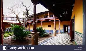 spanish colonial style patio courtyard old town la laguna tenerife