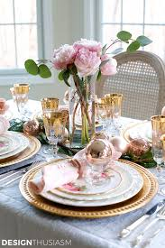 elegant christmas table setting with pink and gold pink
