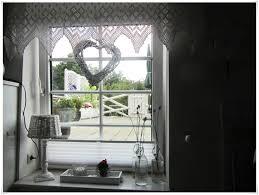 Wohnzimmer Ideen Fenster Kleine Fenster Gestalten Mit Hausdekorationen Und Modernen Möbeln