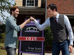 hgtv property brothers hgtv s property brothers and listed sisters both casting in