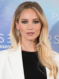 Jennifer Lawrence Home by See Jennifer Lawrence U0027s Hair Extensions Instyle Com