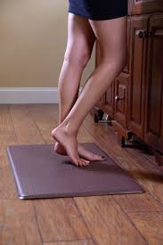 anti fatigue mat for standing desk quality anti fatigue mat truly extends comfort for standing in