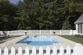 buying homes with swimming pools what to look for