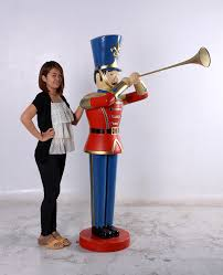 soldier statue with trumpet 6ft