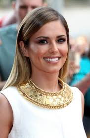 cheryl cole finds a new way to do the winged cat eye makeup look