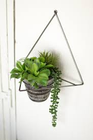 Wall Mounted Flower Pot Holder Geometric Triangle Wall Mount Floating Succulent Plant Holder