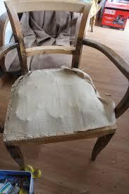 comment retapisser un canapé tapissier d ameublement retapisser un fauteuil bridge