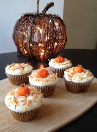 thanksgiving cupcakes for kids pumpkin spice cupcakes w maple cream cheese frosting shelley u0027s cafe