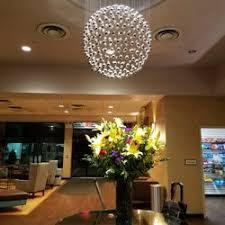 Corona Chandelier Holiday Inn Laguardia Airport 37 Photos U0026 35 Reviews Hotels