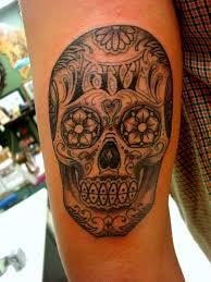 sugar skull skull on half sleeve tatouages de