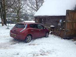nissan leaf electric car range aaa study electric car range drops up to 57 in extreme weather