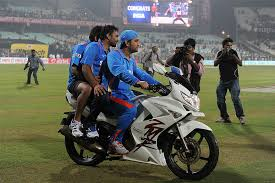 hellcat x132 dhoni at 35 mahendra singh dhoni hasn t given up on his love for bikes