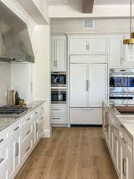 decorators white painted kitchen cabinets benjamin cc 20 decorators white kitchen cabinet paint