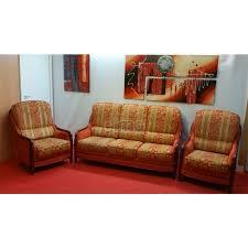 salon du canapé salon canapé 2 fauteuils tissu boiserie apparente country