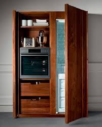 armoire pour cuisine armoire de rangement pour cuisine contemporain en noyer