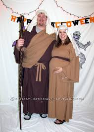 pregnancy halloween costume ideas for couples top 10 diy pregnant halloween costumes especially for couples and