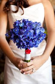 blue flowers for wedding 4th of july inspired wedding white and blue done to perfection
