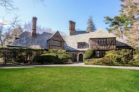 What Makes A House A Tudor Upstate Homes For Sale Tudor Homes In Scarsdale And Bronxville