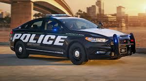 voiture ford lance la première voiture de police hybride