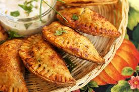 cuisine argentine empanadas spicy empanadas torrontes from vintelligence