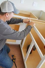 Face Frame Kitchen Cabinets by Video How To Build Face Frames For Kitchen Cabinets Easy Diy