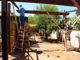 montaggio tettoia in legno costruire un pergolato pergole tettoie giardino