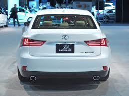 toyota lexus 2014 file 2014 lexus is 250 led tail lights jpg wikimedia commons