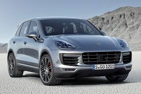 porsche suv 2015 porsche cayenne vs 2015 porsche macan what s the difference