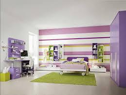 ideen kinderzimmer kinderzimmer streichen ideen streifen in lila weiß farbschema