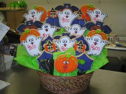 create your own custom halloween gift basket butterfinger cookies