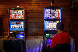 Casinos In Illinois Map by Gaming Gold Rush 81 Springfield Establishments Have Video