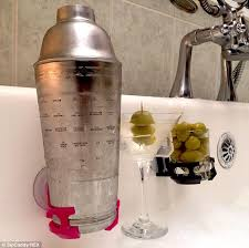 Bathtub Wine And Book Holder Portable Cup Holder Allows People To Enjoy Wine Or Beer In The